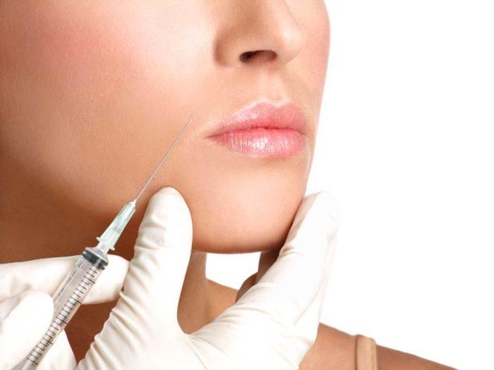 Relleno-Restylane-Lip-Refresh-Malaga-Clinica-Renova