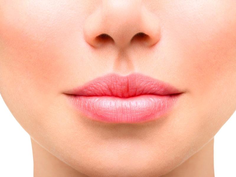 aumento-de-labios-malaga-clinica-renova
